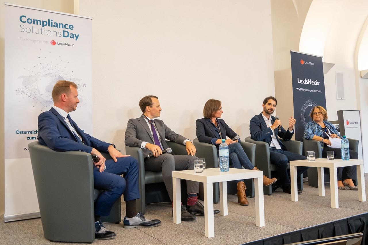 Podiumsdiskussion zur (Über-)Regulierung der Finanzbranche, © LexisNexis/ Fotograf: Sascha Janak