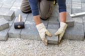 Arbeiter, Bodenleger, © Adobe Stock