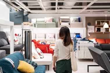 Möbelhaus, Möbel, Ikea, Lutz, Leiner, Couch, © Adobe Stock