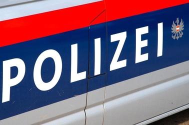 Polizei, Polizeiauto, Razzia, Hausdurchsuchung, © Adobe Stock