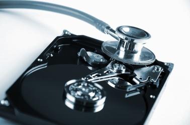 Stethoskop Festplatte, © © Sergej Khackimullin - Fotolia.de
