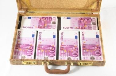 Geldscheine 500 Euro Koffer, © © underworld - Fotolia