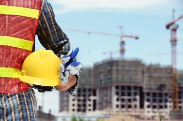 Baustelle Kran Arbeiter Helm