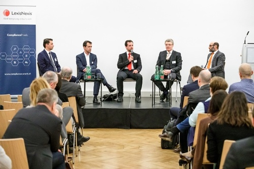 Am Podium, v.l.n.r.: David Taborsky (FMA), Chrisopher Schrank (BTP), Luca Schicho (BWB), Marcus Schmitt (WKStA), Martin Eckel (Taylor Wessing), © leadersnet.at/ A. Felten