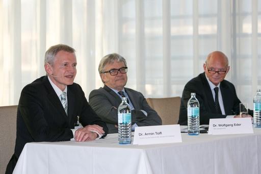 V.l.n.r.: Dr. Armin Toifl, Dr. Wolfgang Eder, Mag. Robert Kastil., © voestalpine