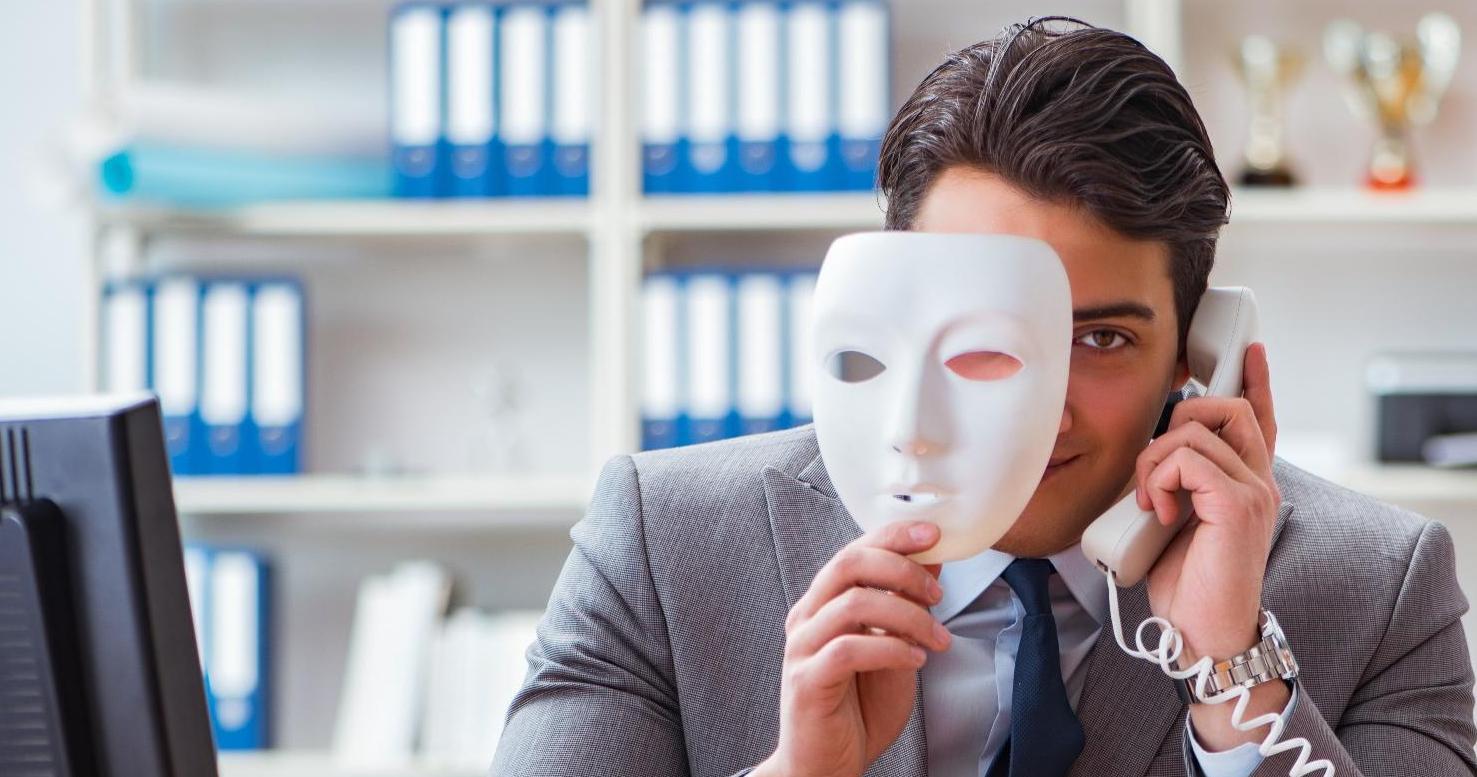 Maske, Betrüger, © Adobe Stock