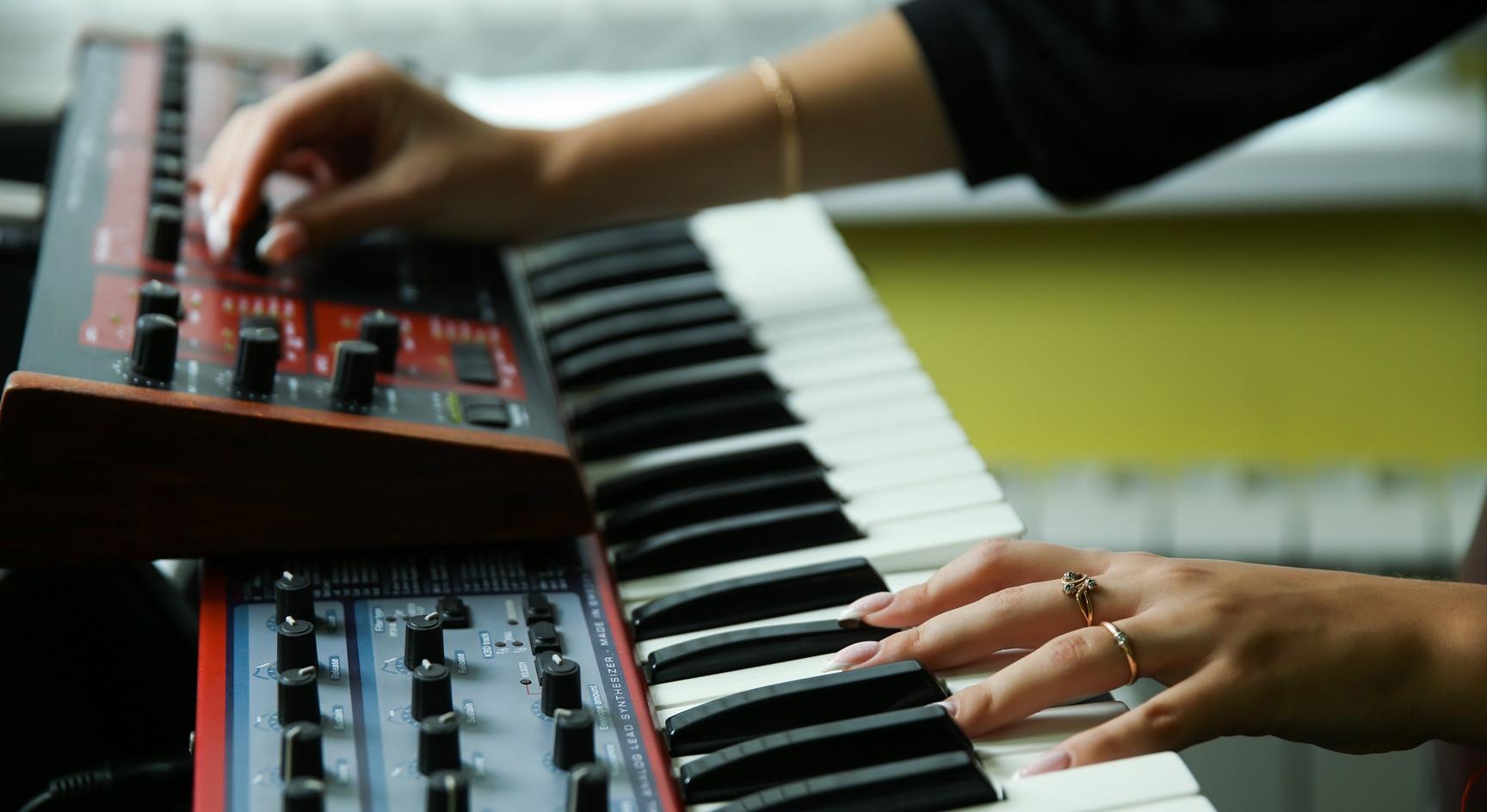 Synthesizer, © Adobe Stock